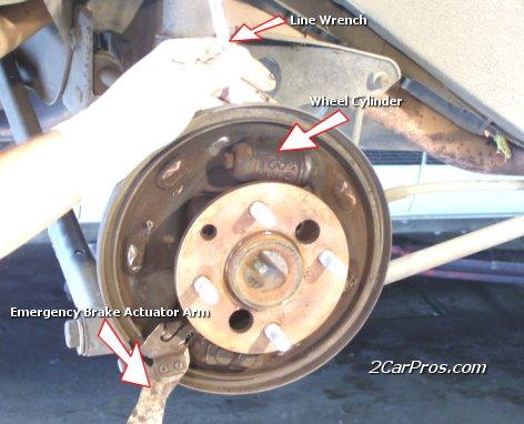 https://www.2carpros.com/backup/discovery/images/rear_brakes_4.jpg