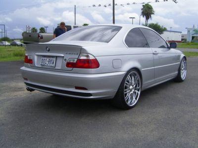 http://www.2carpros.com/forum/automotive_pictures/138308_izicks_car_2_1.jpg