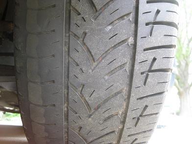 https://www.2carpros.com/forum/automotive_pictures/158606_lftire_1.jpg