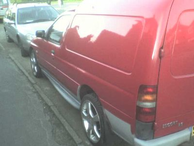 http://www.2carpros.com/forum/automotive_pictures/183254_Patricks_van_1_3.jpg