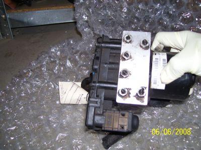 http://www.2carpros.com/forum/automotive_pictures/198446_100_0528_1.jpg