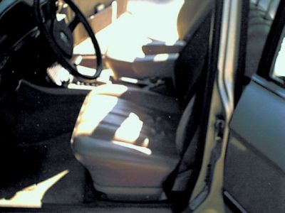 http://www.2carpros.com/forum/automotive_pictures/205413_Bmw_int_F_Dr_side_1.jpg