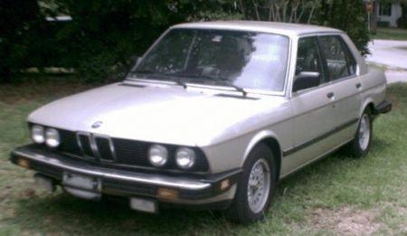 http://www.2carpros.com/forum/automotive_pictures/205413_Trimmed_left_front_on_lawn_1.jpg