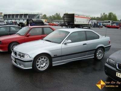1993 bmw 318 e36 318is coupe has on engine compression. Black Bedroom Furniture Sets. Home Design Ideas