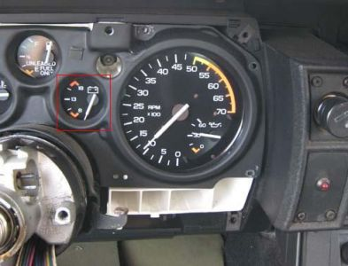 http://www.2carpros.com/forum/automotive_pictures/213532_86_battery_gauge_inside_1.jpg