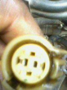 http://www.2carpros.com/forum/automotive_pictures/231560_Is_this_the_plug_to_the_coolant_temperature_sensor_1.jpg