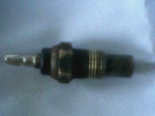 http://www.2carpros.com/forum/automotive_pictures/231560_OR_is_this_the_right_sensor_1.jpg