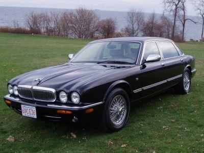 http://www.2carpros.com/forum/automotive_pictures/241810_3_Car_1.jpg