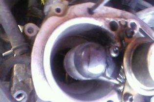 http://www.2carpros.com/forum/automotive_pictures/307237_carb_3_1.jpg