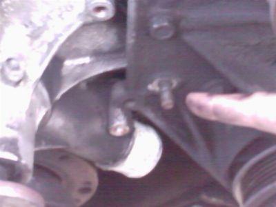 http://www.2carpros.com/forum/automotive_pictures/308427_specific_bolt_1.jpg
