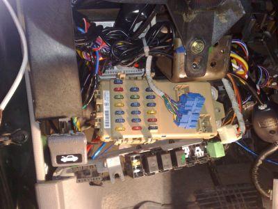 http://www.2carpros.com/forum/automotive_pictures/314778_02112009044_1.jpg