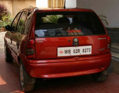 http://www.2carpros.com/forum/automotive_pictures/335543_Opel_Corsa_Sail_14_1.jpg