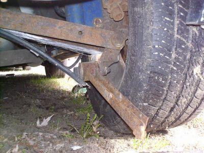 http://www.2carpros.com/forum/automotive_pictures/347347_broken_side_1.jpg