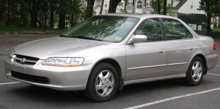 http://www.2carpros.com/forum/automotive_pictures/360955_2000_honda_accord_1.jpg