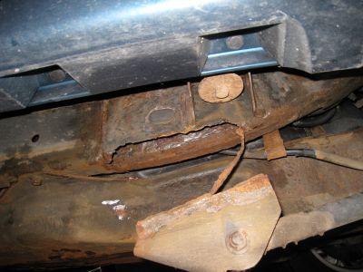 http://www.2carpros.com/forum/automotive_pictures/375533_Isuzu_Rust0001_1.jpg