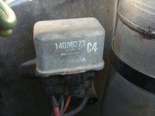 http://www.2carpros.com/forum/automotive_pictures/375939_relay_1.jpg
