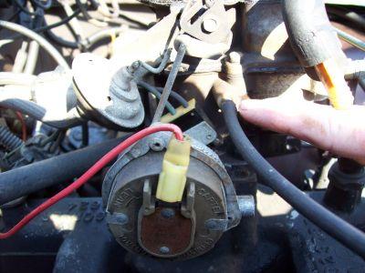 http://www.2carpros.com/forum/automotive_pictures/411289_83_CJ_STEPPER_CARB_001_1.jpg