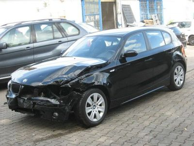 http://www.2carpros.com/forum/automotive_pictures/424941_damaged_BMW118d_1.jpg