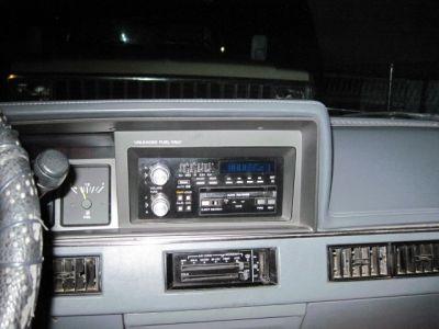 http://www.2carpros.com/forum/automotive_pictures/469745_Cutlass_radio_1.jpg