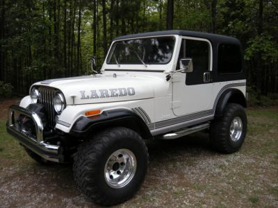 http://www.2carpros.com/forum/automotive_pictures/519232_Jeep_007a_1.jpg