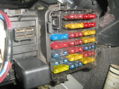 1992 mitsubishi mirage fuse box electrical problem 1992 car fuse box horn www 2carpros com forum automotive_pictures 562350_img_0205_1
