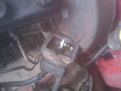 http://www.2carpros.com/forum/automotive_pictures/563617_20100823_093839_1.jpg