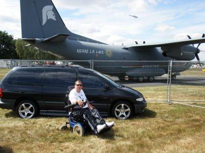 http://www.2carpros.com/forum/automotive_pictures/579046_farnborough_airshow_2010_001_1.jpg