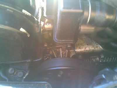 http://www.2carpros.com/forum/automotive_pictures/64040_pick_of_oil_leak_2.jpg