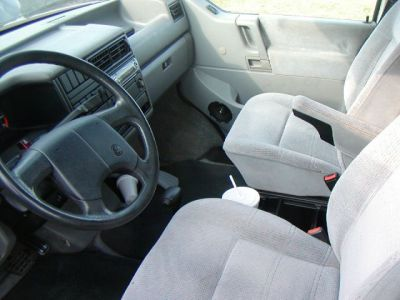 http://www.2carpros.com/forum/automotive_pictures/84723_eurovanfrontseats_1.jpg