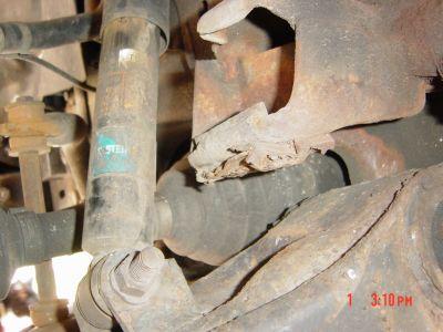 http://www.2carpros.com/forum/automotive_pictures/97306_drivers_suspension_1.jpg