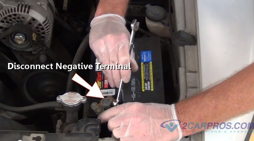 Disconnecting Battery on Fuel Tank Filler Neck