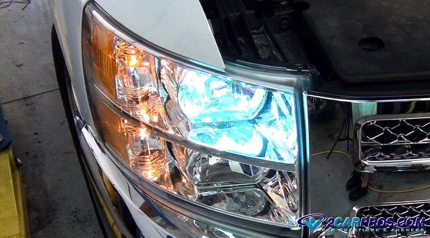 How To Replace A Car Headlight Bulb In Under 10 Minutes