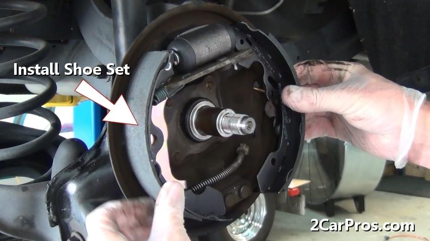 Rear Brake Shoe Replacement Guide 2carpros Long Hairstyles