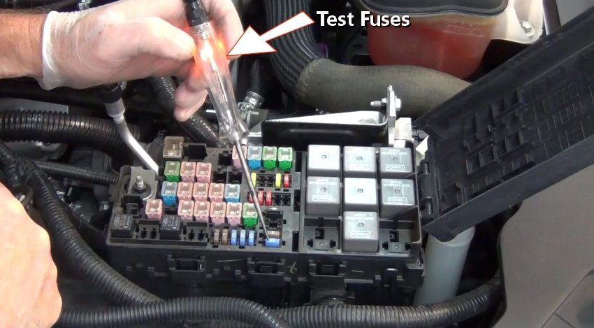 Low Beams Out High Beams Work further 11 Buick Enclave Battery Location in addition Mahindra Pick Up also Discussion T7471 ds621096 additionally T9406168 Fuse block diagram 1993. on 2002 ford focus fuse panel