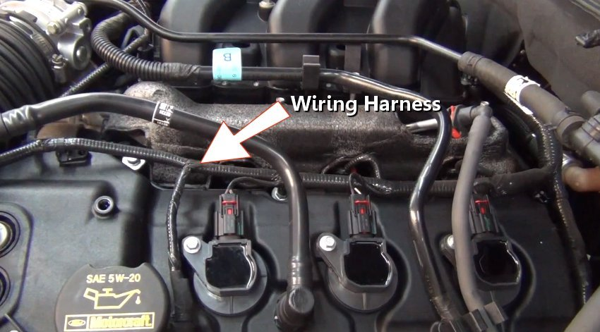 wiring_harness how electrical systems work explained in under 5 minutes what is the wire harness in a car at bakdesigns.co
