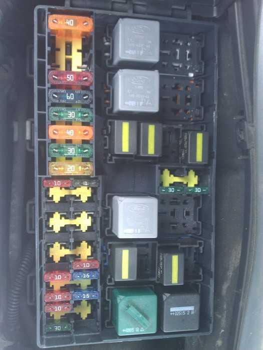 large ford focus tdci, warm start my ford focus 2003 1 8 tdci starts 2004 ford focus engine fuse box at readyjetset.co