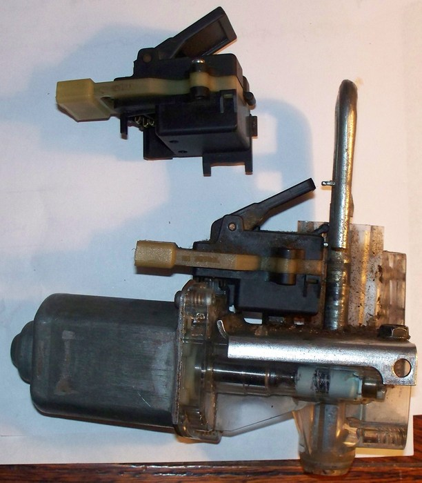 Cadillac Trunk Pull Down Motor Wiring from www.2carpros.com